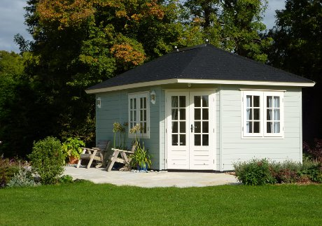 Colours for summer houses for Garden design ideas with summer house