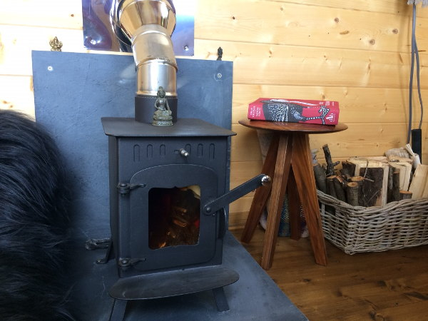 garden building log burner