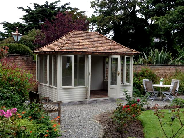 Summerhouse Offer : Free Paint Finish
