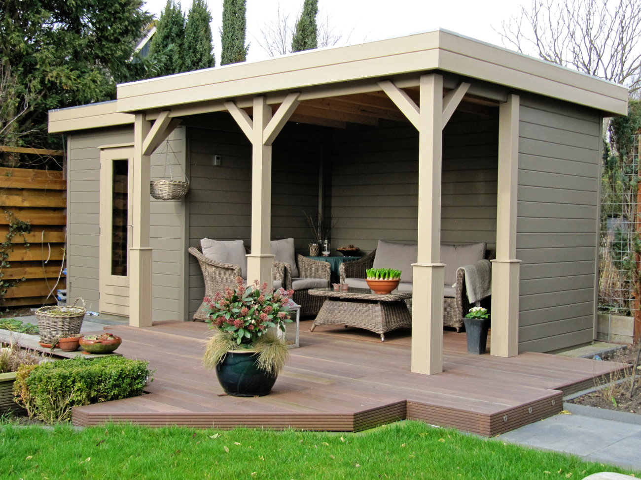 Top Tips Painting A Timber Building Best Products To Use